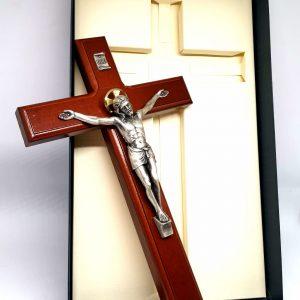 Crocefisso 28 cm legno di faggio particolare