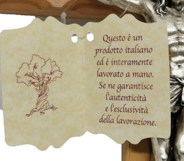 Crocefisso legno d'ulivo particolare